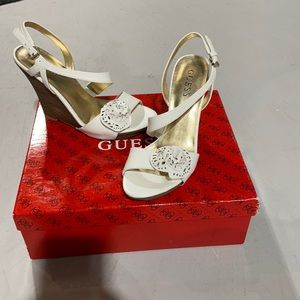 Guess white leather sandals- size 6M